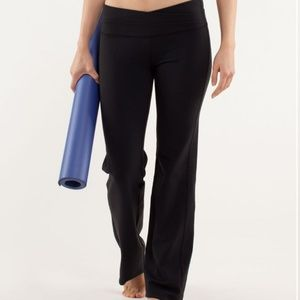 Lululemon astro black wide yoga leggings. Size 8